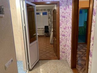 Se vinde apartament 37m2, Ialoveni, P. Stefanuca 34, 19500 eur negociabil.