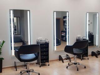 Самый большой выбор моделей и дополнительных опций от компании J-Mirror!