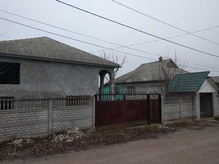 Casă de vînzare în Ialoveni, 160 mp, 6 ari, garaj