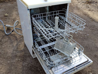 Mașină de spălat vase