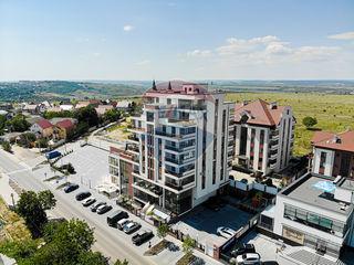 Penthouse, 5 odăi, suprafața totală 273 m2
