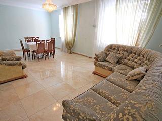 Casa cu curte separata -  850 euro, garaj