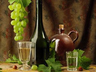 Vin vrac roșu și alb. roada 2019. bio 100%, ecologic, natural.