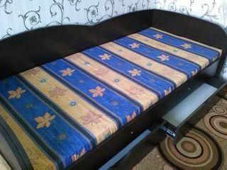 Кровать с ортопед. матрасом и ящиками для белья