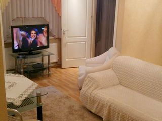 Rîșcani, str. Kiev, 2 odăi, 50 m2, et.1/5, autonomă, euroreparație!