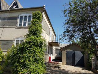 Se vinde casă în două nivele
