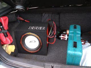 Alpine cабвуфер с встроенным усилителем+новый комплект проводов