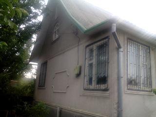 Крузешты  дом-дача участок  12сот