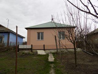 1-этажный котельцовый дом 85кв.м. на 13 соток земли в г. Фалешты