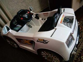 Automobil electric pentru copii