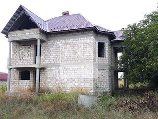 Casă în 2 nivele- Dănceni! 240 mp!!!