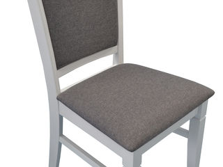 Большой, красивый стул по хорошей цене 890 лей.