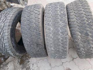 Продаются шины 265/70/17, 3+1=700 лей.