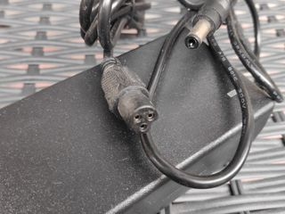 Incarcator 24v / 36v/ 48v/ 60v зарядное для самокатов. гиробордов, велосипедов