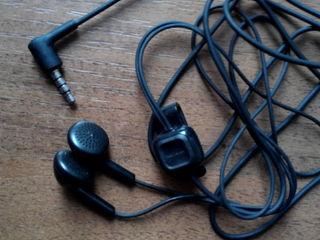 Наушники смикрофоном и переключателем для мобилки 50 лей кабель USB ca-101 50 лей.