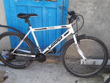 vind urgent! bicicleta e foarte buna fara sghirieturi si rupturi e ca noua!