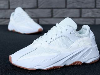 Adidas Yeezy Boost 700 White Unisex