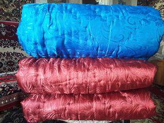 Продам новое одеяло двуспальное 2,15 м.x1,75 м., 100%  овечья шерсть - 800 лей/шт.