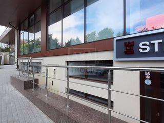 Spre vânzare spațiu comercial, 110 mp, reparație euro, Centru