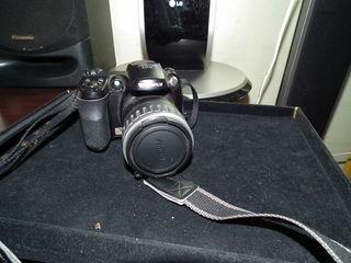 продам компактный цифровой фотоаппарат Fujifilm FinePix S5200 идеальный