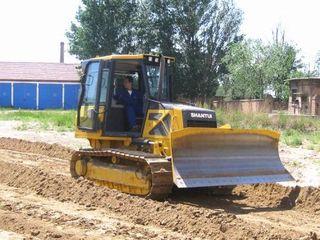 Трактор бульдозер