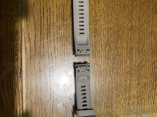 Garmin Fenix QuickFit 20.Ремешок сменный силикон серый с застежкой розовое золото.