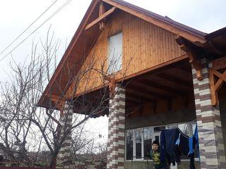 Acoperisuri tigla metalica oala catapal.,izolatie termica,poduri din vagonga de lemn.