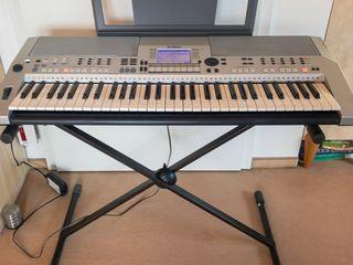 Синтезатор Yamaha PSR-S550. Sintetizator, clapa, orga.