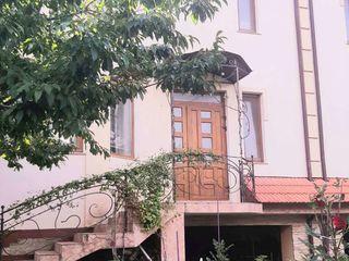 Vand Casa Duplex/ Townhouse Sector Rezidential