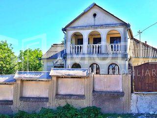Vânzare – casă – R-nul Calărași – s. Sadova, 250 m.p.
