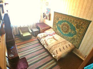 Срочно-3-комнатную квартиру во Флоренах, 11км от Кишинева. Большая, тёплая с автономным отоплением.