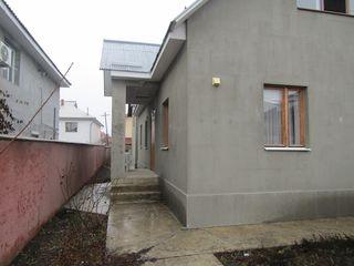 Casă în chirie, Stăuceni, str. Miorița 350€