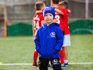 Copilul tău e plin de energie și entuziasm? Vino cu el la școala de fotbal Tracia!