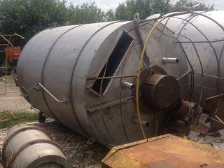 Б. Р. К- реактор нержавеющий с рубашкой и мешалкой -20.0куб/м вертикальные