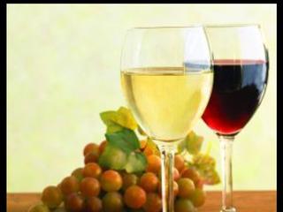 Vin de casa alb,rosu foarte gustos ,pret 8 lei litru,livrare de 100 litri.