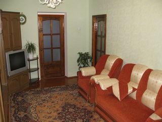 Продается 3 комнатная квартира в центре города Каушаны или меняем на  дом в центре города