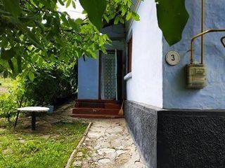 Vind casa, Nisporeni 8 ari,3 camere, apa /gaz/ canalizare/fantana/ Продаю дом - Ниспорены 13.500euro