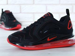 Nike Air Max 720 Black & Red