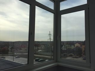 Apartament de lux cu o camera, in sectorul privat, bloc nou