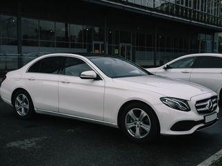 E Class W213 2017 alb/negru (белый/черный)