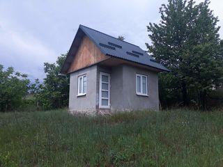 Vând căsuță de vacanță nouă cu teren de 28 ari la intrarea în satul Nișcani, Călărași