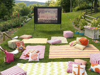 Cinema in aer liber in chirie cu livrare acasa.