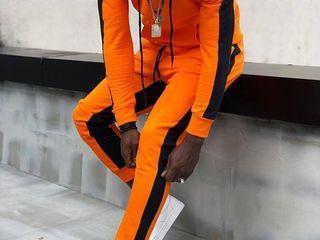 Модные и стильные спортивные костюмы!