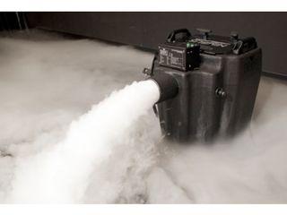 Masina de fum greu cu gheata carbonica de mare putere chauvet nimbus