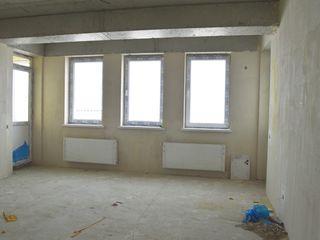 Ap.3 odăi, 83 m2, v.albă, autonomă, dat în exploatare, din cotileti, toți locatarii traiesc