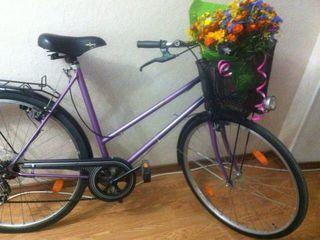 Милый фиолетовый прогулочный велик с корзинкой!