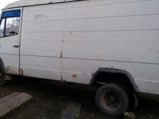 Mercedes rex-609