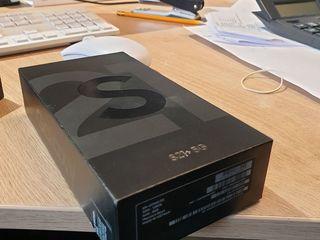 Samsung S21+ 5G 128gb phantom black-650€