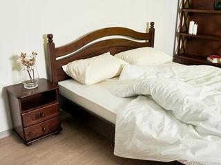 Pat in stil clasic din lemn natural pentru dormitorul tau!