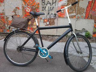 Велосипед не требует вложений сел и поехал    цена 1000 лей